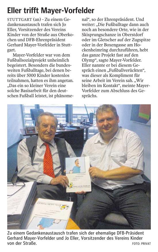Jo Eller trifft DFBEhrenpraesident MayerVorfelder - Bild 1 - Datum: 25.07.2013 - Tags: Besonderes, Pressebericht, AKTION FUSSBALLTAG e.V.