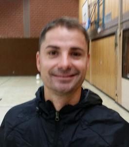 Ervin Skela - Bild 1 - Datum: 03.11.2015 - Tags: Trainer, AKTION FUSSBALLTAG e.V.