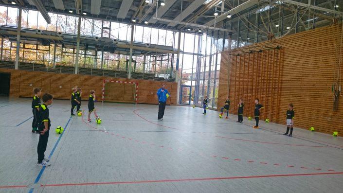 KUBenefizFussballtag am 06112016 in Reutlingen - Bild 10 - Datum: 06.11.2016 - Tags: Fußballtag, K & U Bäckerei, AKTION FUSSBALLTAG e.V.