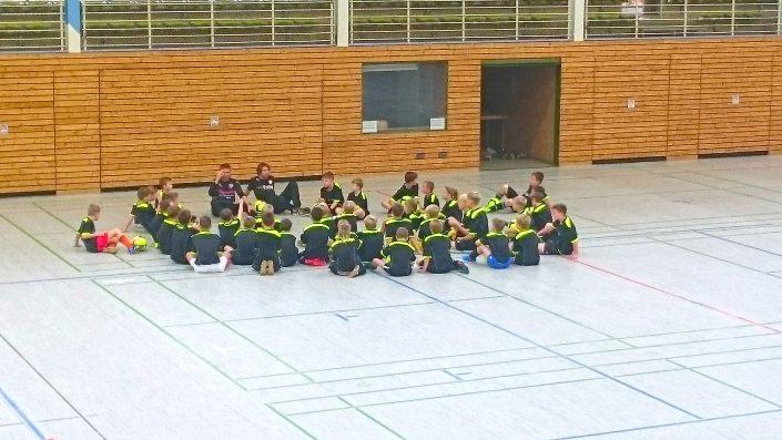 KUBenefizFussballtag am 06112016 in Reutlingen - Bild 16 - Datum: 06.11.2016 - Tags: Fußballtag, K & U Bäckerei, AKTION FUSSBALLTAG e.V.