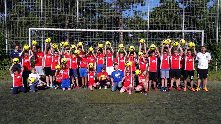 Fussballtag am 20072016 in Metzingen - Bild 10 - Datum: 20.07.2016 - Tags: BKK Scheufelen, Fußballtag, AKTION FUSSBALLTAG e.V.