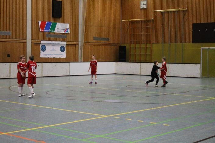 Stadtwerke Gmuend Bundesliga Jugendcup in Schwaebisch Gmuend am 14 und 15012017 - Bild 14 - Datum: 03.01.2017 - Tags: Fußballtag, Schwäbisch Gmünd, Stadtwerke Gmünd Bundesliga Jugendcup, U11 Super Cup, AKTION FUSSBALLTAG e.V.