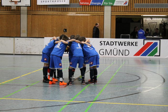 Stadtwerke Gmuend Bundesliga Jugendcup in Schwaebisch Gmuend am 14 und 15012017 - Bild 17 - Datum: 03.01.2017 - Tags: Fußballtag, Schwäbisch Gmünd, Stadtwerke Gmünd Bundesliga Jugendcup, U11 Super Cup, AKTION FUSSBALLTAG e.V.