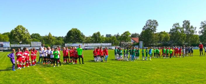 Humanus Bundesliga Jugendcup am 2706 und 28062020 in Ederheim bei Noerdlingen - Bild 9 - Datum: 31.07.2019 - Tags: Bundesliga Jugendcup, Fußballtag, Humanus, AKTION FUSSBALLTAG e.V.