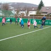 """Verein Kinder von der Strasse bohrt mal wieder ein """"großes Loch"""". Nun kommt es doch: Das 1.001. Spielfeld! 2"""