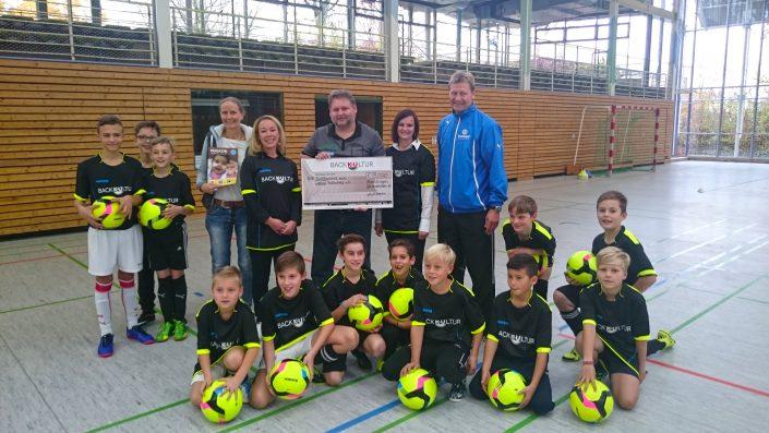KUBenefizFussballtag am 06112016 in Reutlingen - Bild 8 - Datum: 06.11.2016 - Tags: Fußballtag, K & U Bäckerei, AKTION FUSSBALLTAG e.V.