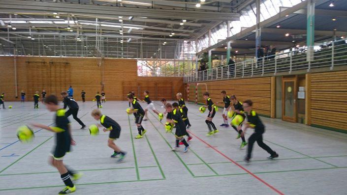 KUBenefizFussballtag am 06112016 in Reutlingen - Bild 9 - Datum: 06.11.2016 - Tags: Fußballtag, K & U Bäckerei, AKTION FUSSBALLTAG e.V.