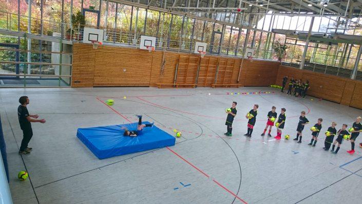 KUBenefizFussballtag am 06112016 in Reutlingen - Bild 12 - Datum: 06.11.2016 - Tags: Fußballtag, K & U Bäckerei, AKTION FUSSBALLTAG e.V.